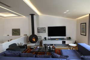 Central Fireplace Surrounds - O 132